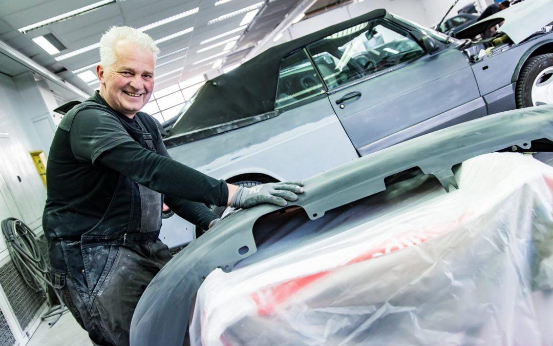 Jubilaris Theo Moerkens 40 Jaar bij Autoschade Van Hasselt B.V.